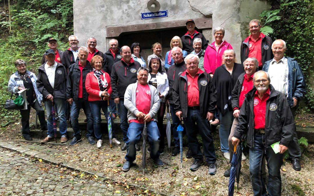 Ausfahrt zur Kellergröppe und Traktormuseum.