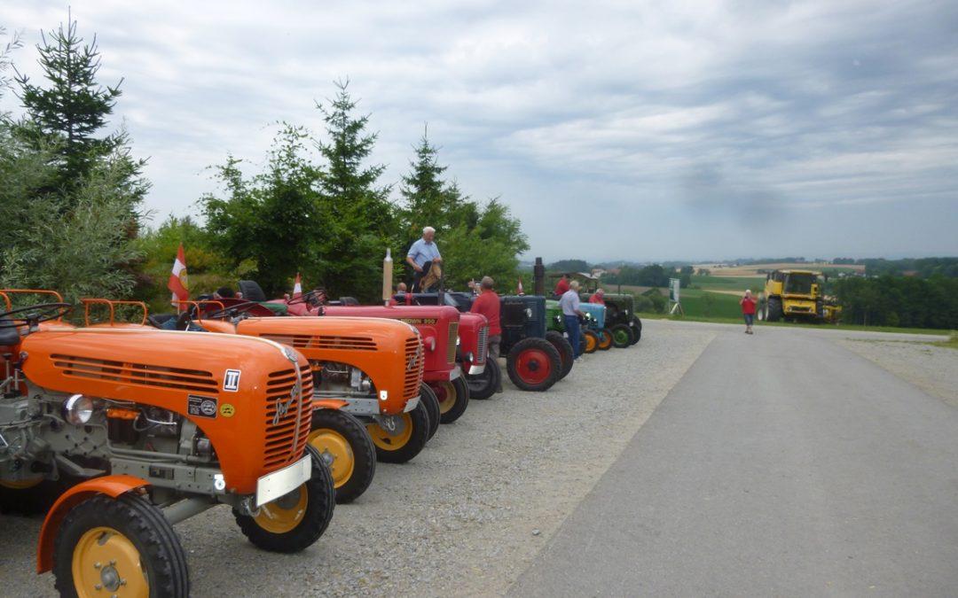 """Traktorausfahrt zum """"Hendl-Hauer"""""""